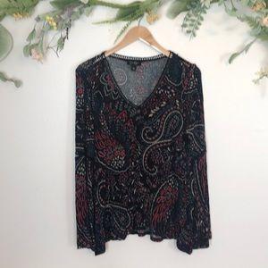 Jessica Simpson black paisley  vneck blouse large